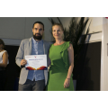Pedro González, CEO and COO of Microomics receives the Impulso Award. Credit: Rafa Arjones. Información.